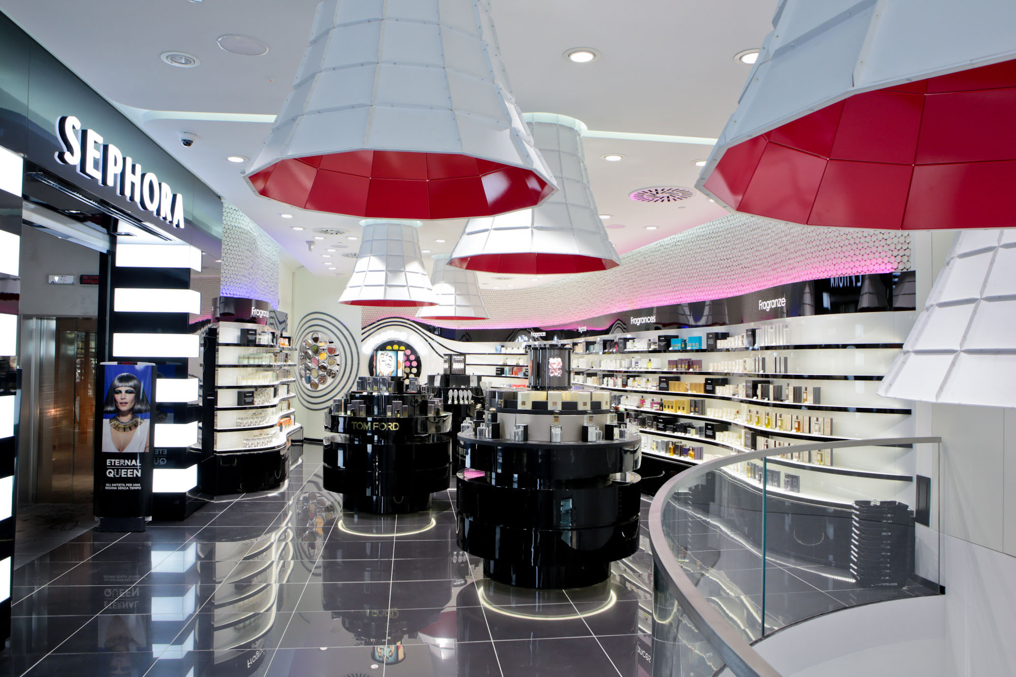Experience store sephora the brian barry building kenderasia - Corso interior design on line ...